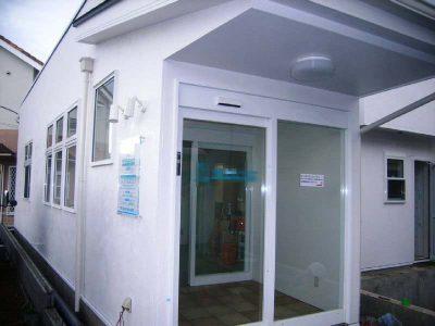 木造 施工例 – 茅ヶ崎 病院+薬局 木造 二階建