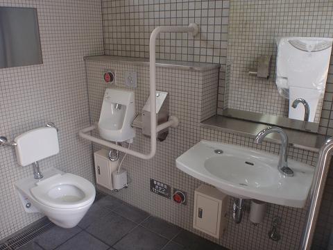 鉄筋コンクリート造 施工例 - 横浜 公衆トイレ新築工事